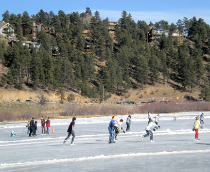 evergreen-lake-skating