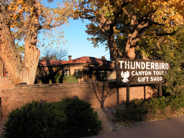 thunderbird-lodge-sign1
