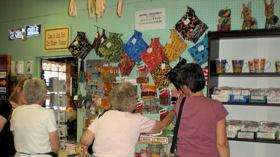 santa-cruz-shoppers