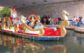 san-antonio-river-parade1