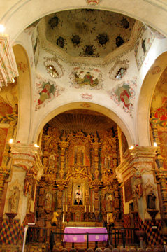san-xavier-del-bac-interior1