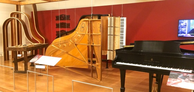 MIM - Anatomy of a Piano