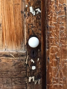 Maltise Cross Cabin Doorknob